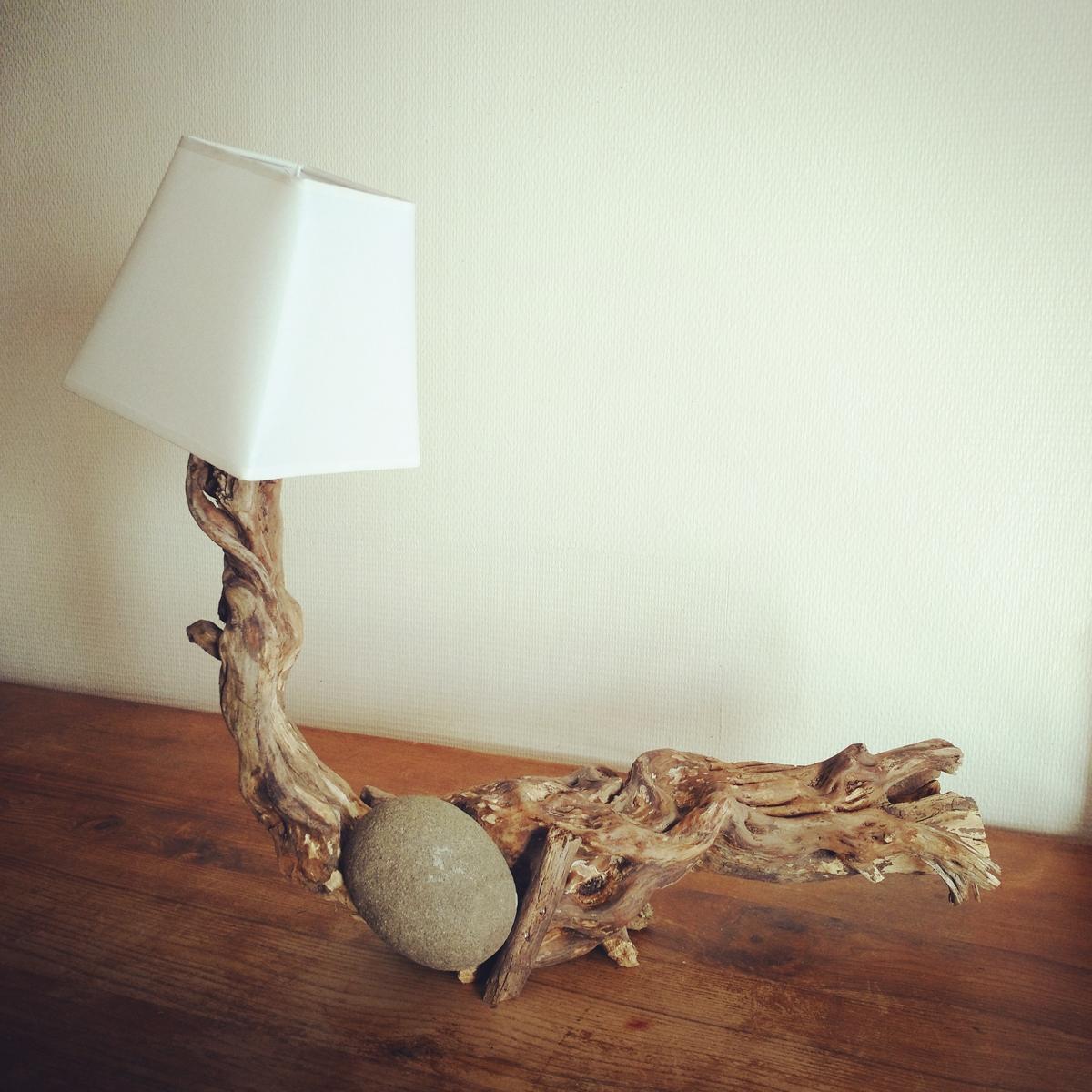 lampe bois flott et pierre art by ze studio annecy. Black Bedroom Furniture Sets. Home Design Ideas